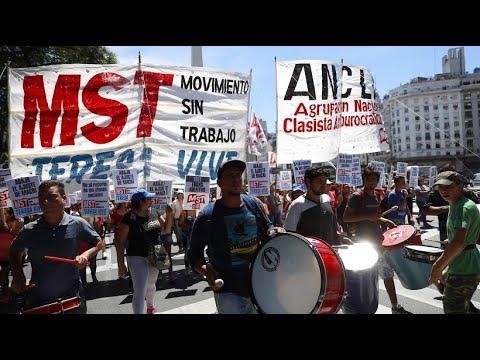 Gegen Stellenabbau: Argentiniens Beamte gehen auf d ...