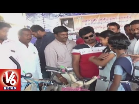 Sampoornesh-Babu-Particpates-In-Bicyles-Cloths-Distribution-To-Poor-Students-V6-News