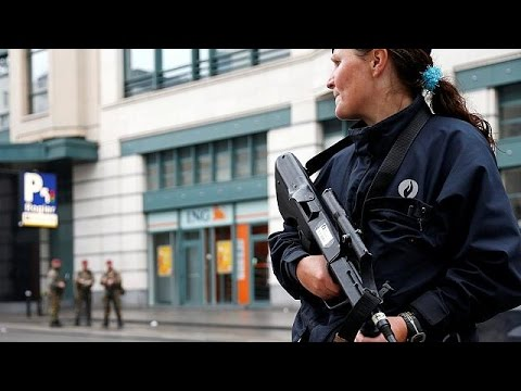 Βρυξέλλες: Με μπισκότα κι αλάτι η ψεύτικη ζώνη εκρηκτικών του υπόπτου