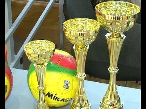 В игровом зале Центральной спортивной арены в выходные прошел третий турнир по мини-футболу «Футбол для фанатов»