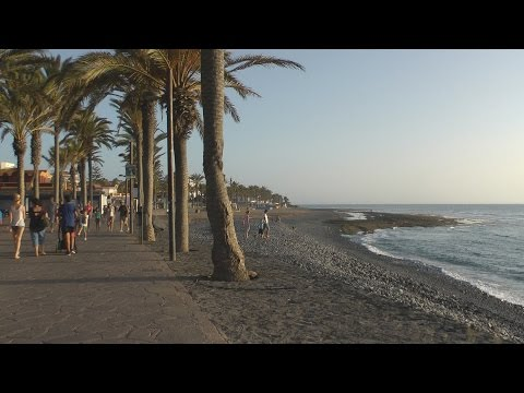 Tenerife - Playa de Las Americas to Los Cristianos Boulevard tour on bike