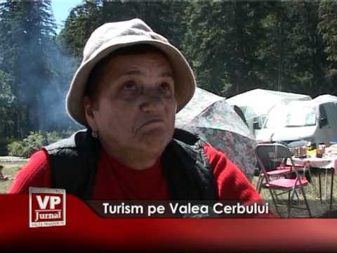Turism pe Valea Cerbului