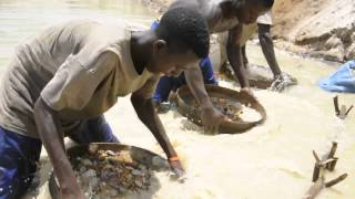 This is a movie about diamond mining in Sierra Leone. Since the brutal civil war the Sierra Leone diamond industry is known as ...