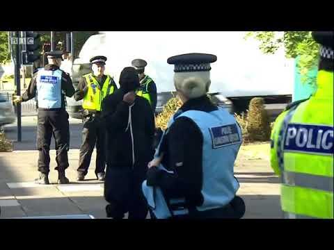 Video - Βρετανία: Είκοσι άνδρες καταδικάστηκαν για αποπλάνηση και βιασμό νεαρών κοριτσιών στο Χάντερσφιλντ