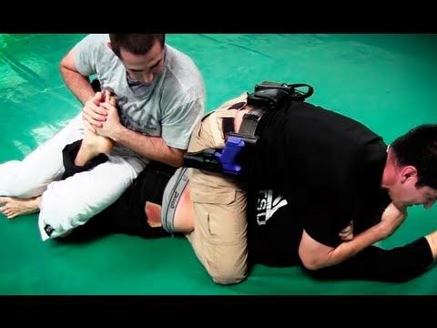 兩個美國警察vs MMA 搏擊高手!超精彩!