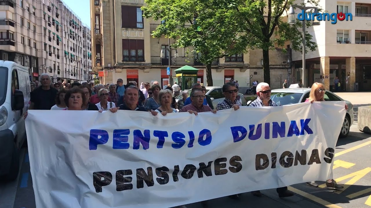 Los pensionistas intensifican sus protestas con una manifestación que ha recorrido Durango
