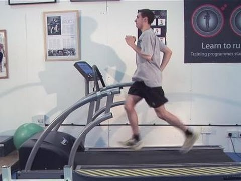 jog - This guide shows you How To Jog Long Distance. Watch this and other related films here - http://www.videojug.com/film/how-to-run-long-distance Subscribe! htt...