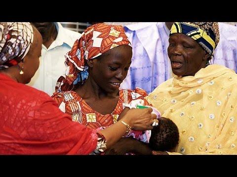 Νιγηρία: Στο προεδρικό μέγαρο η μαθήτρια που γλίτωσε από την Μπόκο Χαράμ