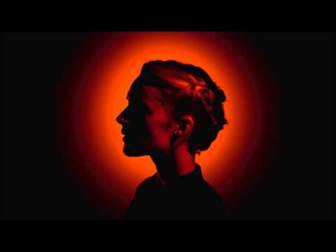 Tekst piosenki Agnes Obel - Run Cried The Crawling po polsku