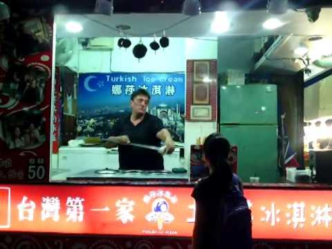 ông già bán kem chuyên nghiệp nhất thế giới,xem không muốn dời mắt