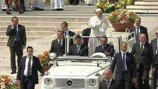Premières Canonisations Du Pape François