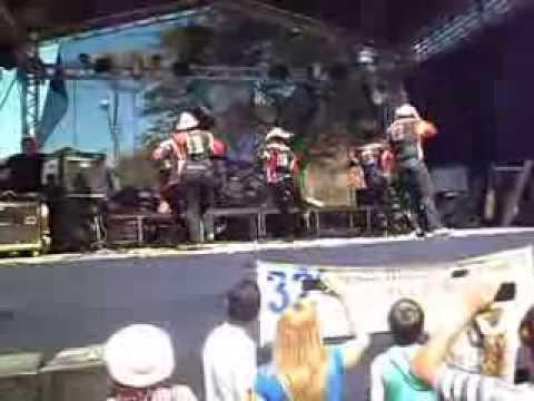 APRESENTAÇÃO RENEGADOS EM SILVEIRAS-SP/FESTA DO TROPEIRO 25/08/13