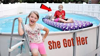 Video Taylor's Bed in our Swimming Pool PRANK! MP3, 3GP, MP4, WEBM, AVI, FLV Februari 2019