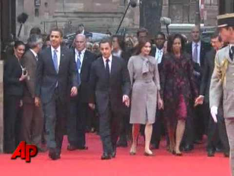 Raw Video: Obamas Greeted by President Sarkozy