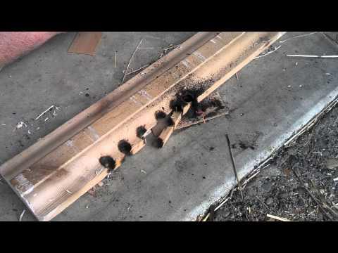 Cách tạo ra lửa với gỗ và rơm