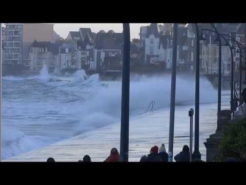 Grande marées à Saint-Malo (février 2014)