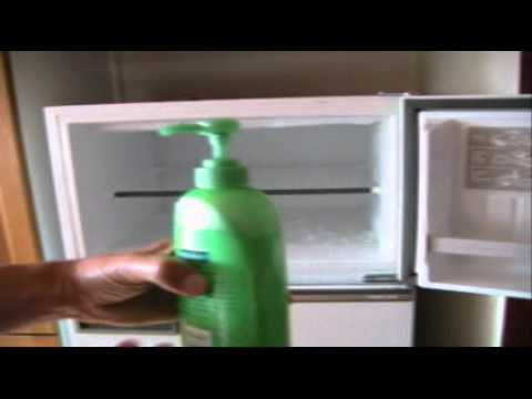How To Quickly Defrost Your Freezer / Remove The Ice -Use An Empty Shampoo Pump Pack