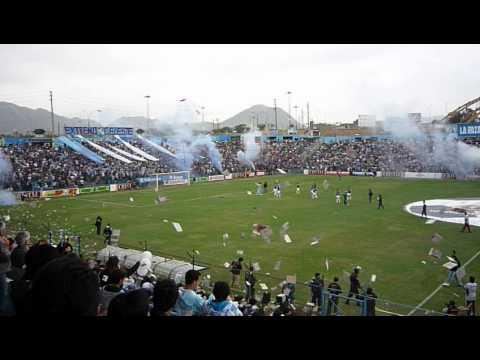 RECIBIMIENTO SPORTING CRISTAL (CELESTON ) 12/08/12 - Extremo Celeste - Sporting Cristal