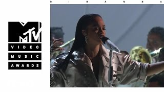 Video Rihanna - Stay / Love On The Brain / Diamonds (Live From The 2016 MTV VMAs) MP3, 3GP, MP4, WEBM, AVI, FLV Juli 2018