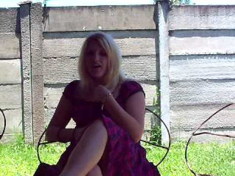 """Cheris Singing Karlien van Jaarsveld """"Rooi Ligte"""" (short version)"""