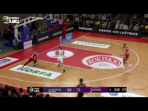 """""""Betsafe–LKL"""" rungtynių momentas: V. Čepukaitis dėjimu uždega Utenos areną"""