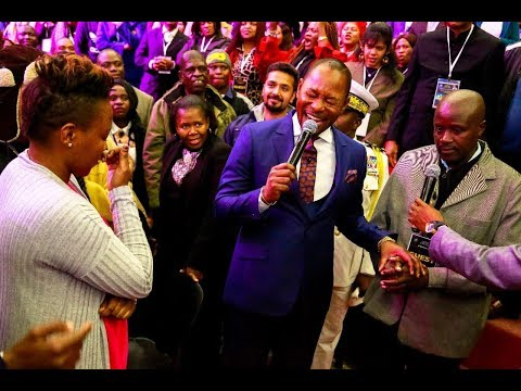 NOT SEEN BEFORE: Pastor Alph LUKAU gives a man a wife right in Church