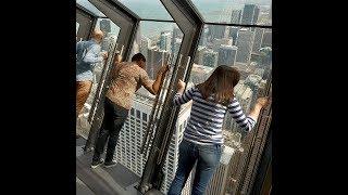 地上300mから落ちる感覚!!344mの超高層タワー「360 CHICAGO」、恐怖のアトラクション