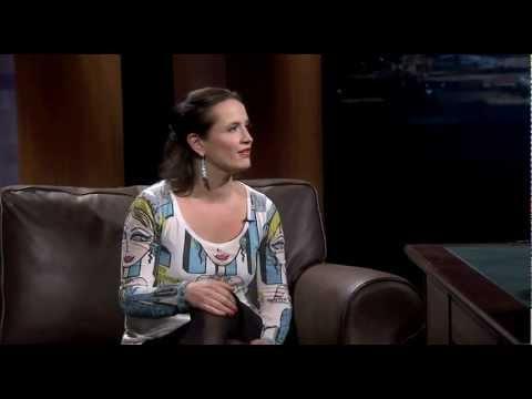 Tuomas Enbuske Talk Show - Jakso 7 - Vieraana Maija Vilkkumaa tekijä: tvviisi