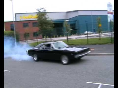 1968 Dodge Charger rolling burnout