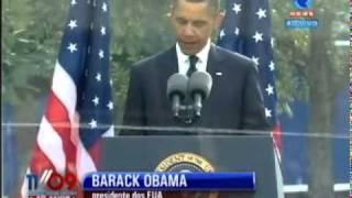 Logo após o primeiro minuto de silêncio, o presidente dos Estados Unidos da América, Barack Obama fez um rápido discurso no qual falou sobre Deus e guerras.