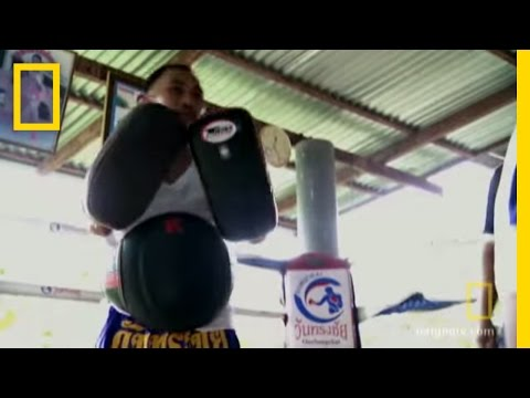 kickboxing - Brothers Craig and Paul learn what it takes to be a strong man in Thailand, and it's not what they expected. Thai Kickboxing : http://channel.nationalgeograp...