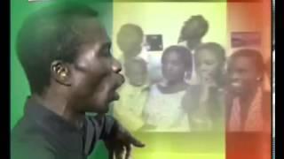 Hymne national du Sénégal en wolof interpétée par Souleymane Faye.