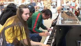 Video Teenage Girl Rocks The Public Piano. Dudes Gather To Watch MP3, 3GP, MP4, WEBM, AVI, FLV Desember 2018