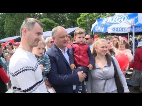 Президент Молдовы Игорь Додон принял участие в Фестивале семьи