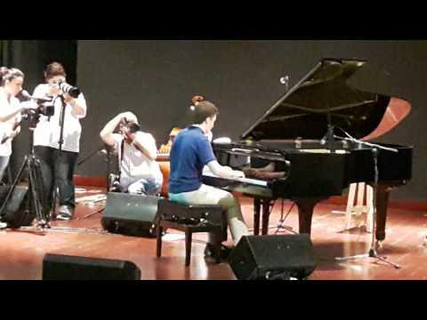 Mounzer Nasser playing Chopin (видео)