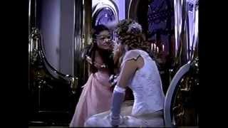 Primeiro encontro entre Fernando e Aurélia. Fernando Seixas se encanta por Aurélia e a convida para dançar.