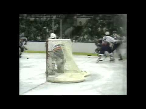 Kevin McClelland scores the one and only goal in Game 1 win over Islanders