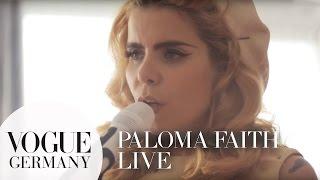 "Paloma Faith singt ""Only Love Can Hurt Like This"""