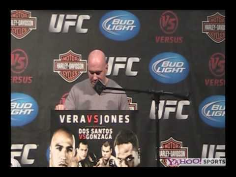 Dana White hands out the KO Submission Fight of Night Awards