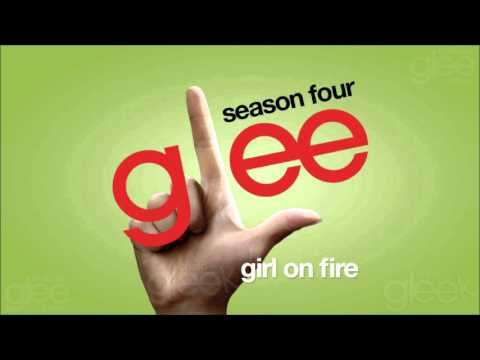Tekst piosenki Glee Cast - Girl On Fire po polsku