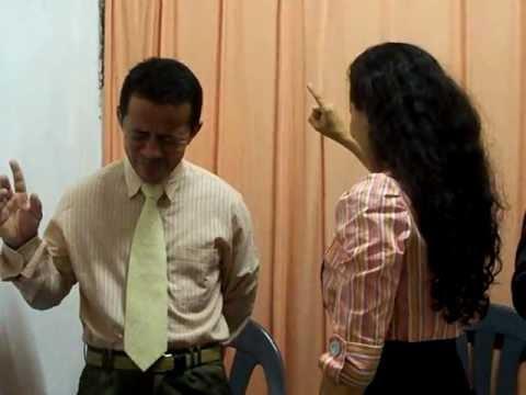 Ivonete Ministrando na Assembléia de Deus Missões de Boa Vista em Cachoeirinha 6
