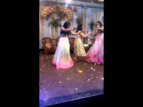 Dance performance on jad mehndi lag lag jave and chitiyan kalaiyan