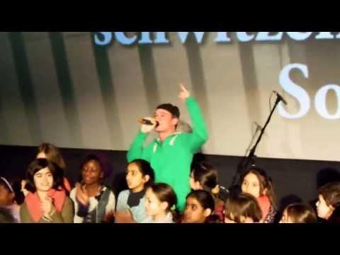 Montez feat. Moe Mitchell – Ein Lachen zurück LIVE – mit Bremer Grundschulchor