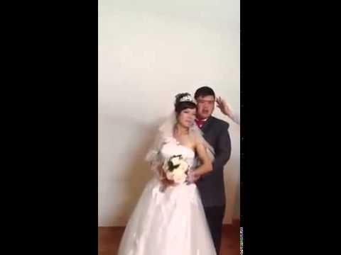Em đã cười đến khóc rớt nước mắt sau khi xem hậu trường buổi chụp ảnh cưới