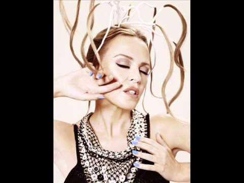 Tekst piosenki Kylie Minogue - Golden Boy po polsku
