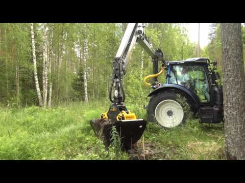 KESLA 304T: Cleaning ditches with gravel buckets
