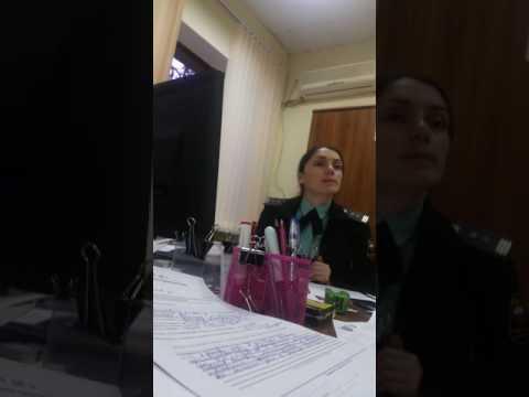 Начальник судебных приставов за работой