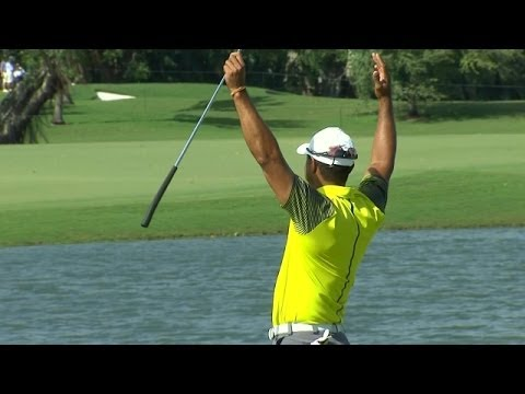 Foot - In the second round of the 2014 World Golf Championships - Cadillac Championship, Tiger Woods drains a 91-foot birdie putt on the par-3 4th hole. Subscribe t...