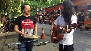 Video Pengamen Yang Di Sawer 500,000 Gara Gara Bawakin Lagu Daerah Ambon,Batak,Jawa,Sunda,padang Dll MP3, 3GP, MP4, WEBM, AVI, FLV September 2017