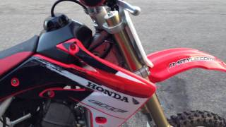 4. 2008 Honda crf150r Start up and rev